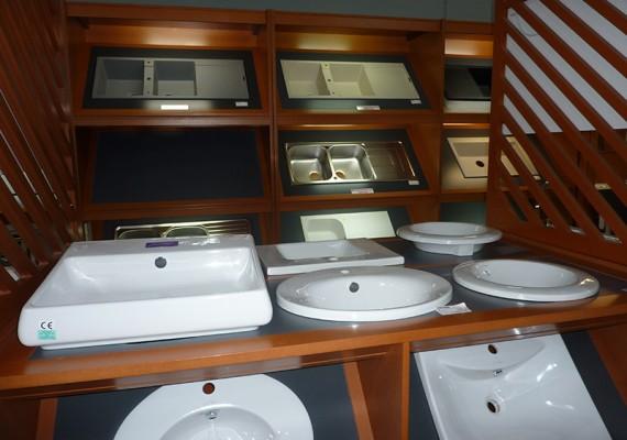 Linéaire de vasques à SAPRO Martinique